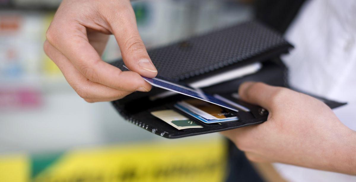 Mua thẻ mobifone online Vietcombank